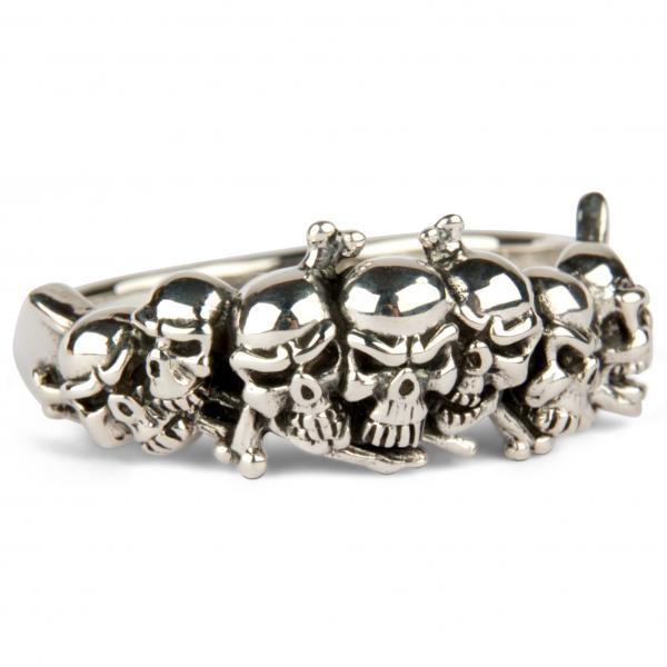 Bone Hunter Skull Ring
