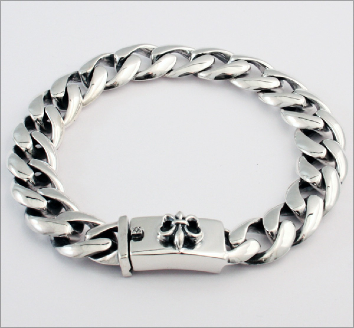 sterling silver bracelet fleur de lis evilrings. Black Bedroom Furniture Sets. Home Design Ideas